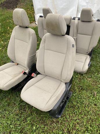 Сиденья Ford Escape 2017 салон форд эскейп шрот подушка диван