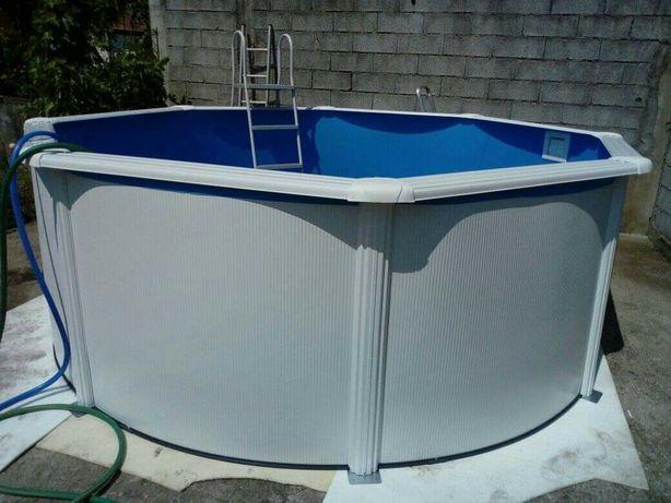 Montagem de piscinas de superfície