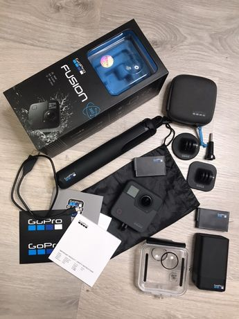 Продам экшен-камеру GoPro Fusion 360 + дополнительные комплектующие.