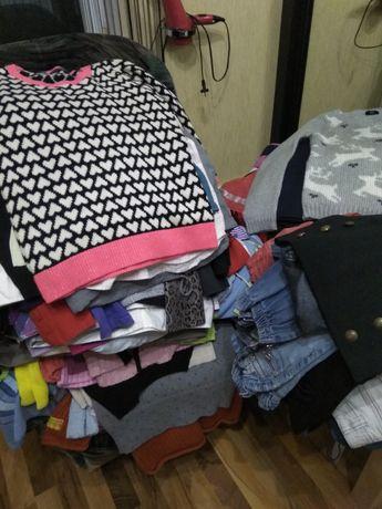 Платья, сарафаны, футболки, шорты, майки, вещи на девочек