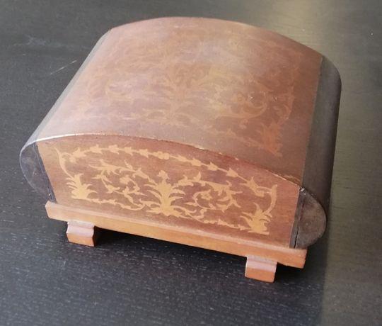 Cigarreira de madeira antiga