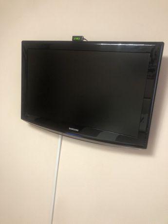 Продам телевизор Самсунг 32 дюйма