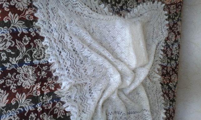 Продаю новый пуховый платок из козьего пуха