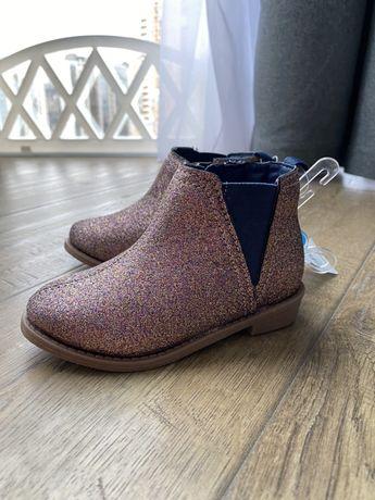 Демисезонные Ботинки Carter's размер 6. (14,5см) 22 размер