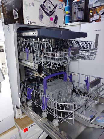Посудомийна машина під забудову