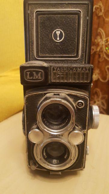 Máquina fotográfica yashica LM