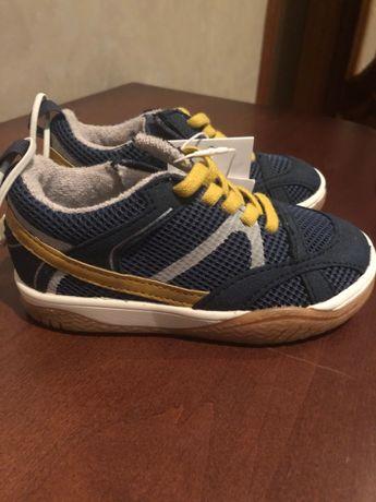продам кросовки zara