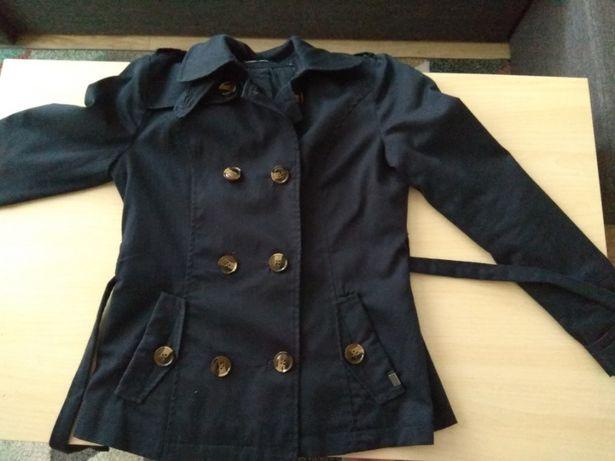 Krótki płaszcz granatowy z paskiem Only S