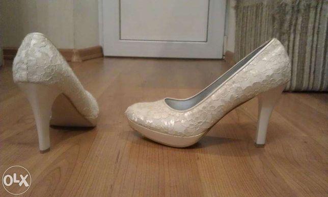 Продам свадебные туфли 39 размер