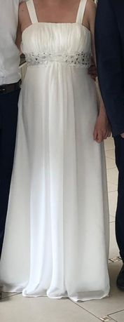 Suknia ślubna, kolor ecru.