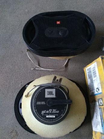 Radio JVC i głośniki samochodowe JBL GTO 936e