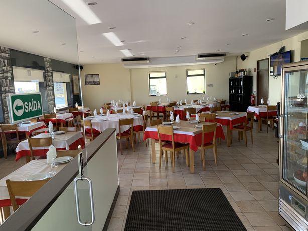 Restaurante e bar junto ah parai