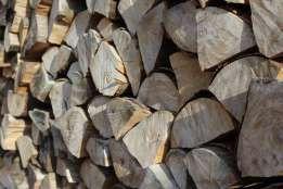 Ładne grube polana - Sezonowane drewno kominkowe