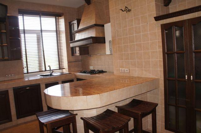 Продажа 3 х комнатной квартиры 107 м.кв. в Центрально - гор. районе.