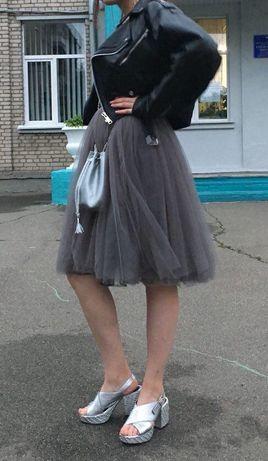 Коктейльное фатиновое платье