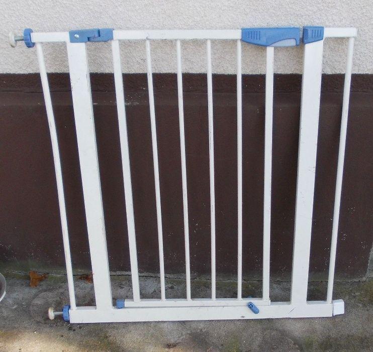 Metalowa bramka (furtka) zabezpieczająca na schody Kluczbork - image 1
