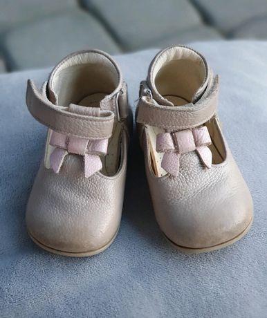 Emel rozmiar 19  buty roczki