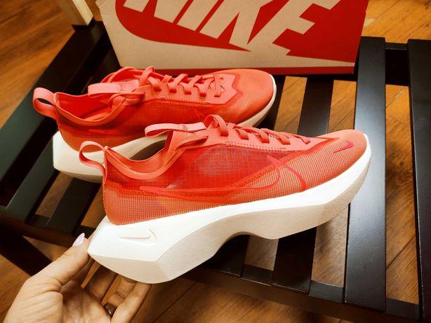 Кроссовки Nike 39 размер оригинал