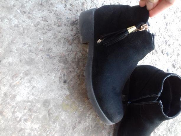 черевики/ взуття /замшеві/ чобітки