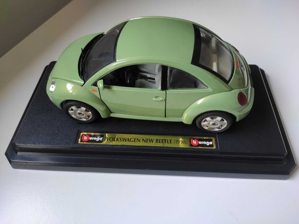 Miniatura Burago Volkwagen New beetle 1/24