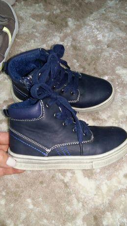 Ботинки осенние 28 размер