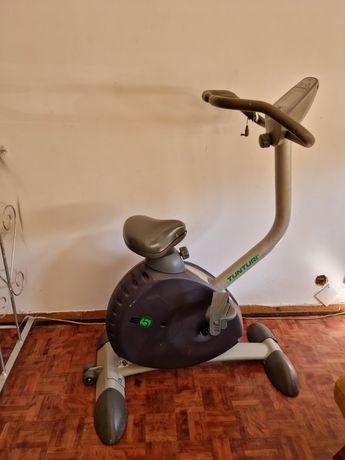 Bicicleta exercicio ESTÁTICA  TUNTURI E5
