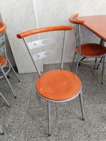 Cadeira café em bom estado