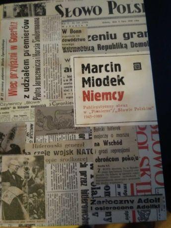 Niemcy. Publiczny obraz w Pionierze Słowie Polskim 1945-89 - Miodek