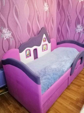 Кровать детская с ламелями и ортопедическим матрамом