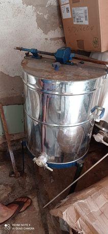 Extrator manual de mel