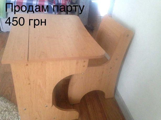 Детская деревянная парта, стул