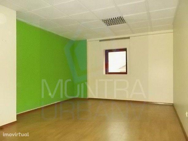 ESCRITÓRIO (29 m2) - 2º Andar, Sala 202 - TORRE BRASIL - JUNTO ao PARQ