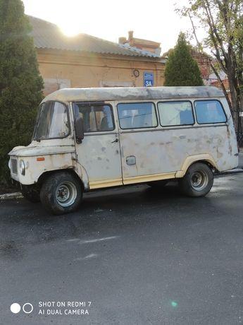 Микроавтобус Ныса