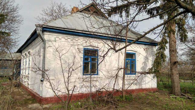 Продається будинок 200 метрів від річки.
