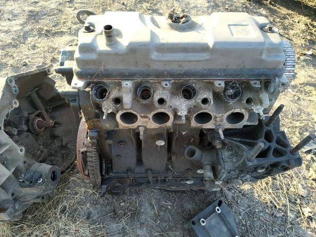 Двигун1.4 Citroen коробка
