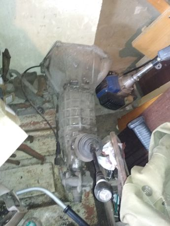 Задня балка, коробка передач для Ваз 2101 и много запчастей