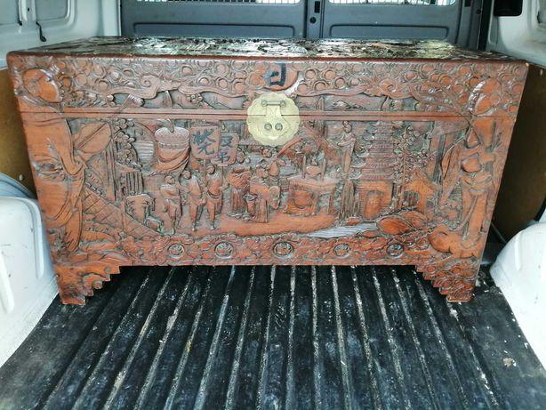 Baú /Arca em madeira de cânfora