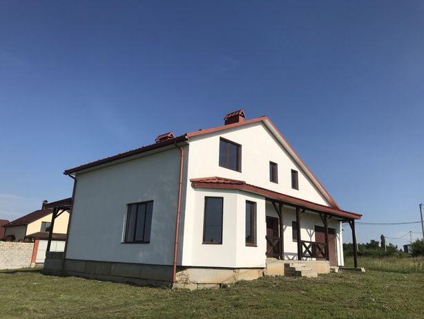 Продам новозбудований будинок в прекрасному,тихому місці