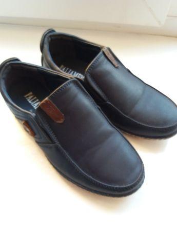Туфлі на хлопчика.  29 розмір