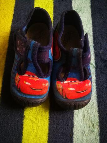 Buty domowe dla chłopca rozmiar 21.