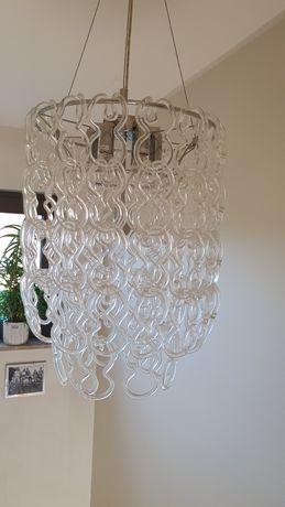 Szklany żyrandol