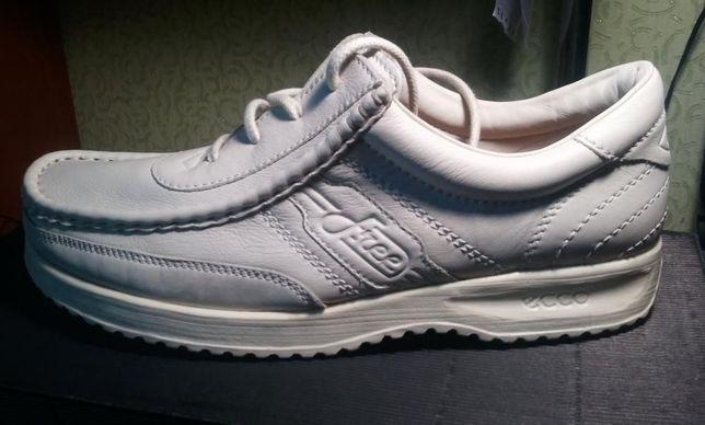 новые туфли ecco 46размер