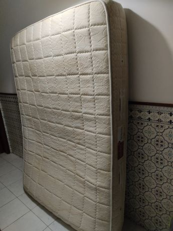 Dou colchão casal usado
