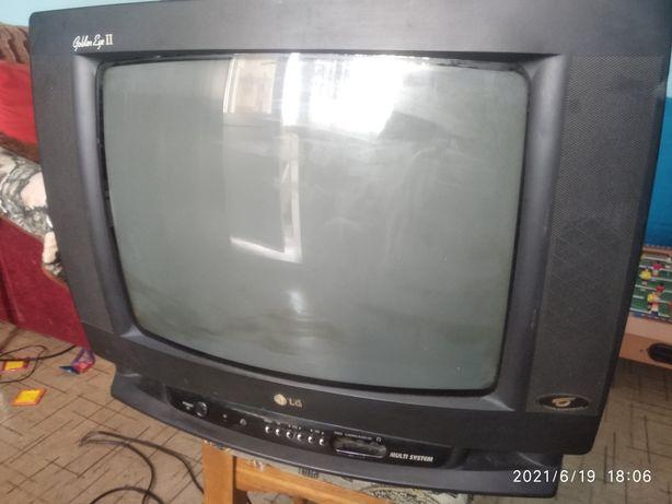"""Телевизор """"LG"""" CF-20K52E на запчасти."""