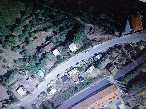 Terreno com 120 m2 para construir no centro de Celorico d...