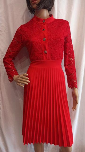 Piękna czerwona sukienka koronka plisowana M L XL