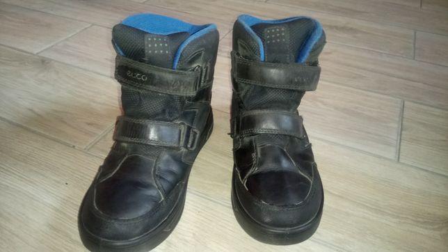 Продам зимние  детские ботинки ECCO