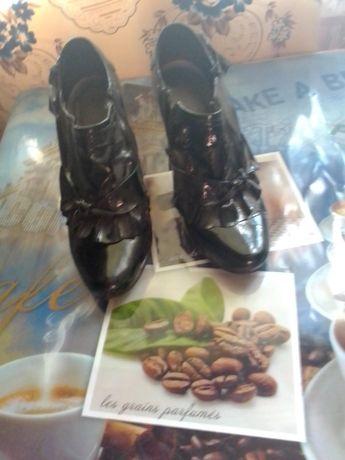 Туфлі 35 розміру