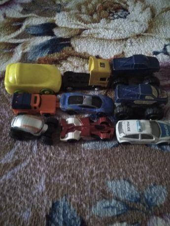 Продаю машинки для мальчика