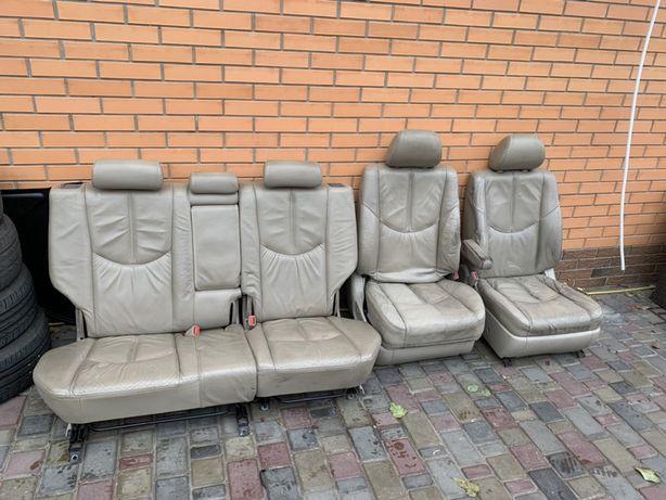 Продам кожанные  сидения lexus